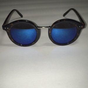Accessories - Round Lens Sunglasses
